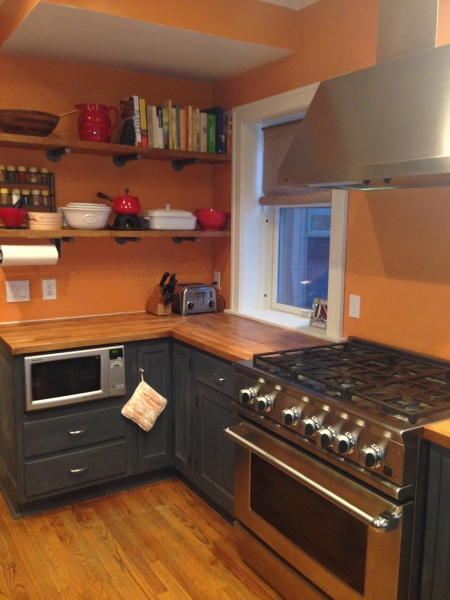 Countertop, Open Shelves, Microwave, Range, and Vent